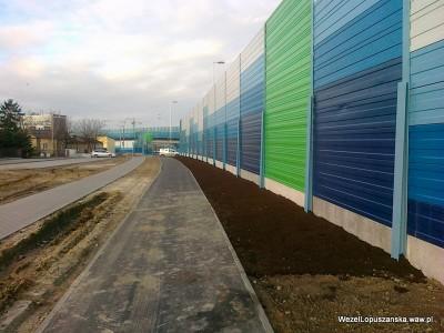 2011.12.30 - Węzeł Łopuszańska - nowe zielone ekrany akustyczne i świeża ziemia