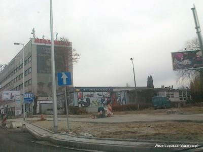 2012.01.04 - Węzeł Łopuszańska - układanie chodnika w Alejach Jerozolimskich od ronda w stronę Pruszkowa