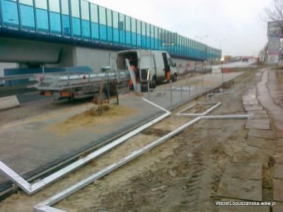 2012.01.05 - Węzeł Łopuszańska - budowa przystanku autobusowego w alejach Jerozolimskich na wyjeździe z ronda w stronę węzła Salomea