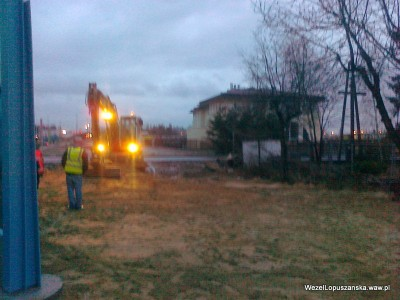 2012.01.05 - Węzeł Łopuszańska - porządki za ekranami akustycznymi wzdłuż Łopuszańskiej w pobliżu zjazdu w Jutrzenki