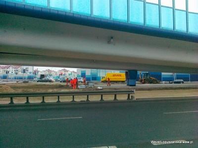 2012.01.12 - Węzeł Łopuszańska - układanie kostki pod wiaduktem na ulicy Łopuszańskiej