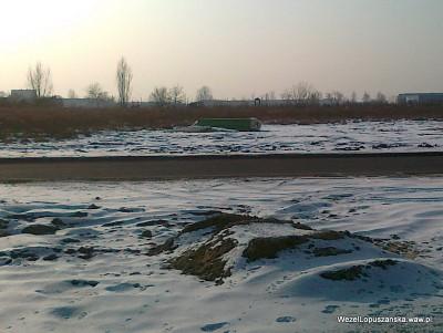 2012.02.06 - Węzeł Łopuszańska Warszawa - zielone ekrany akustyczne czekają na lepsze czasy