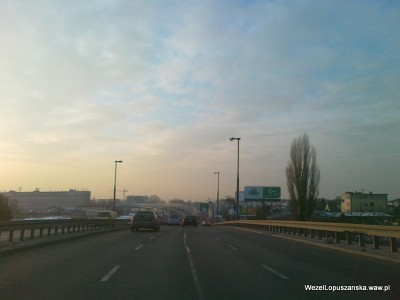 2012.02.08 - Węzeł Łopuszańska Warszawa - Łopuszańska z wiaduktu nad torami WKD w stronę ronda