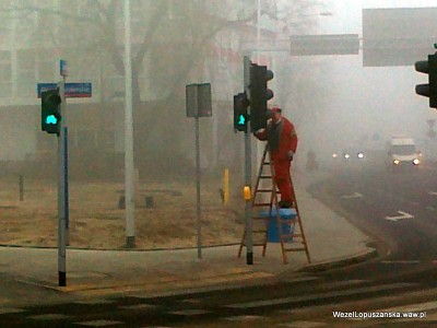 2012.03.09 - Węzeł Łopuszańska Warszawa - prace konserwatorskie przy sygnalizacji świetlnej