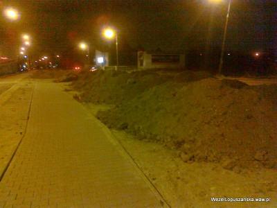 2012.03.20 - Węzeł Łopuszańska Warszawa - równolegle do Łopuszańskiej w stronę stacji WKD Raków