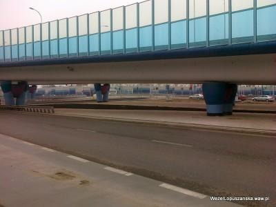 2012.04.05 - Węzeł Łopuszańska Warszawa - ziemia pod wiaduktami na Łopuszańskiej już wysypana z worków