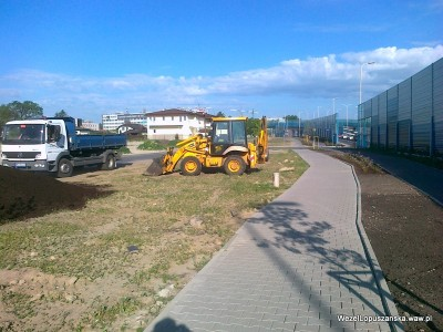 2012.05.29 - Węzeł Łopuszańska Warszawa - prace przy terenach zielonych