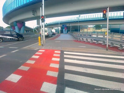 2012.06.25 - Węzeł Łopuszańska Warszawa - nowe czerwone malowanie pasów dla rowerów