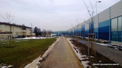 2013.02.27 - Węzeł Łopuszańska Warszawa - chodnik wzdłuż Łopuszańskiej