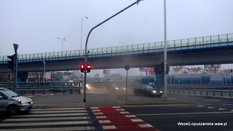2013.02.28 - Węzeł Łopuszańska Warszawa - tumany kurzu przy rondzie