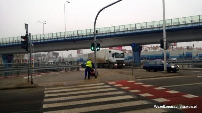 2013.02.28 - Węzeł Łopuszańska Warszawa - maszyna do zamiatania
