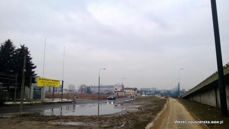 2013.02.27 - Węzeł Łopuszańska Warszawa - kałuża która od lat zamienia się w jeziorko przy ulicy Pryzmaty
